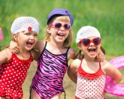 kids playing in bathingsuits