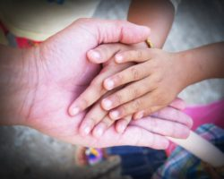 6 Opportunities to Spread Kindness this Holiday Season